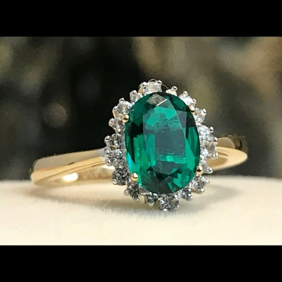 GENUINE EMERALD &WHITE SAPPHIRE 10k GOLD HALO RING